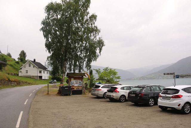 Feigefossen_025_07202019 - The car park for 'Feigumfossen'