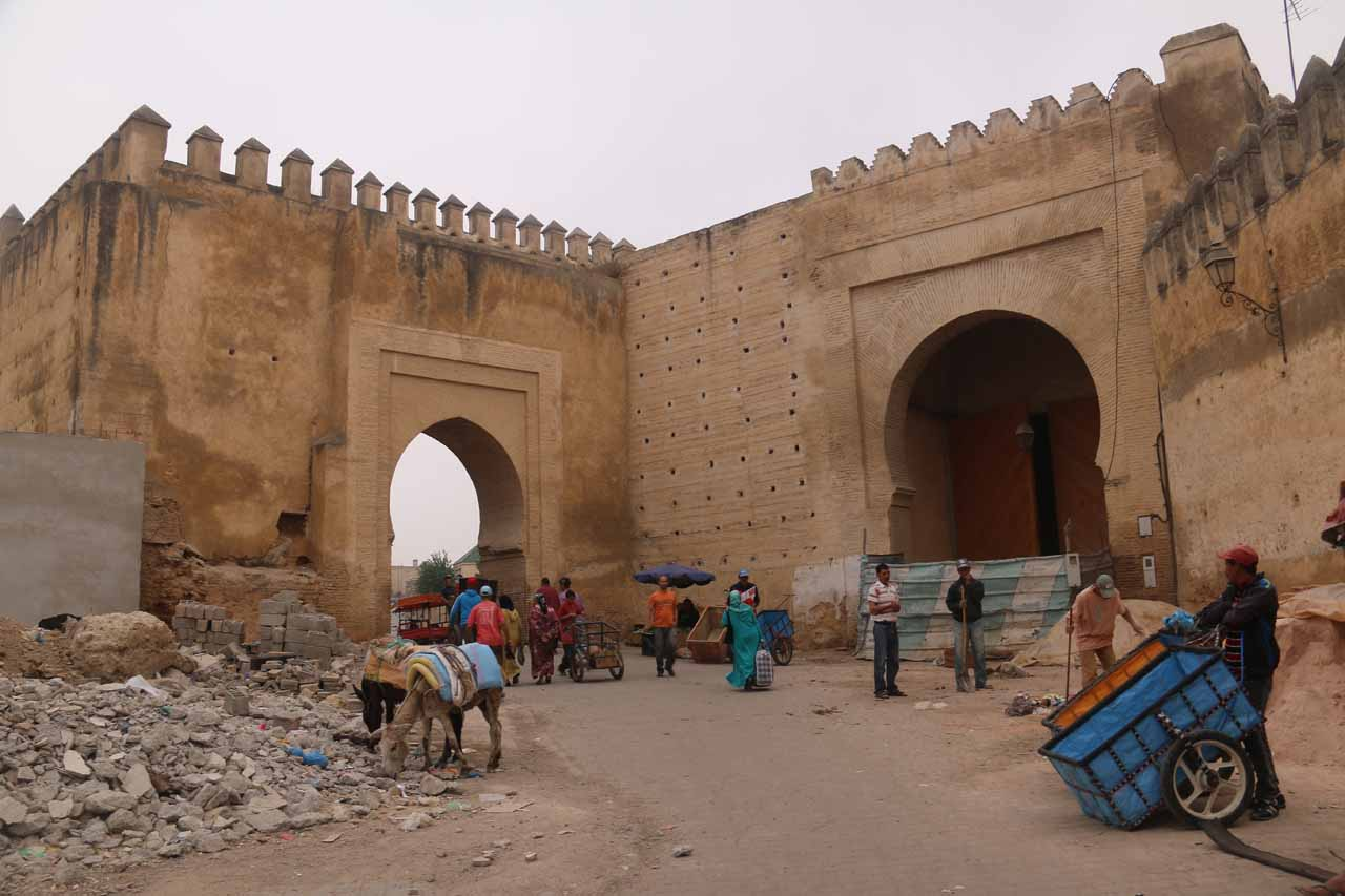 A couple of giant gates on the perimeter of Place Baghdadi