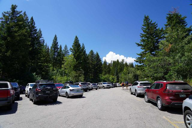 Fish_Creek_Falls_004_07262020 - Looking back at the very busy parking lot at the Fish Creek Falls Trailhead