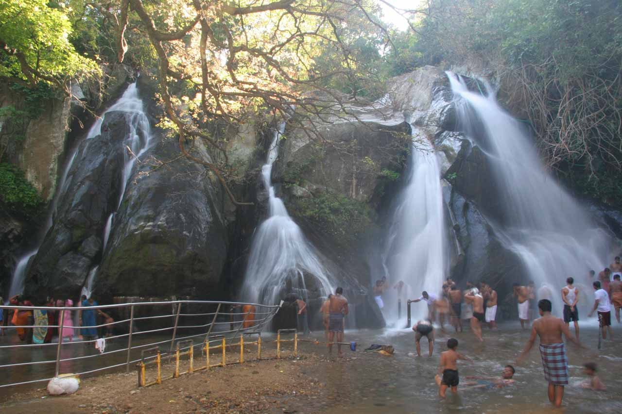 Direct look at the people who were so preoccupied with their bathing under the Kutralam Five Falls that they didn't stare at us