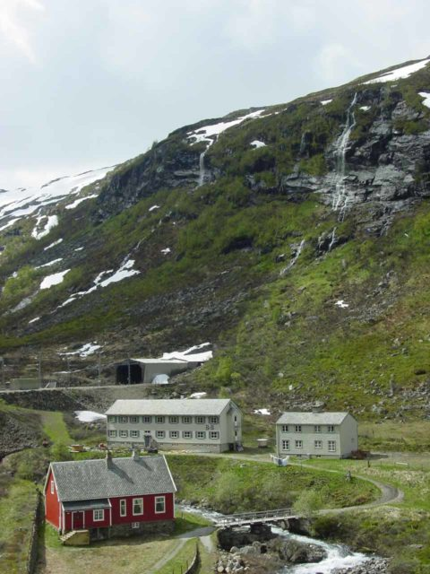 Flam_032_06272005 - One of the highland stops beyond Kjosfossen, which I think could be either Myrdal or the stop before it.  Regardless, one could hike from this stop to Berekvam or Blomheller, and enjoy the area at a more leisurely pace