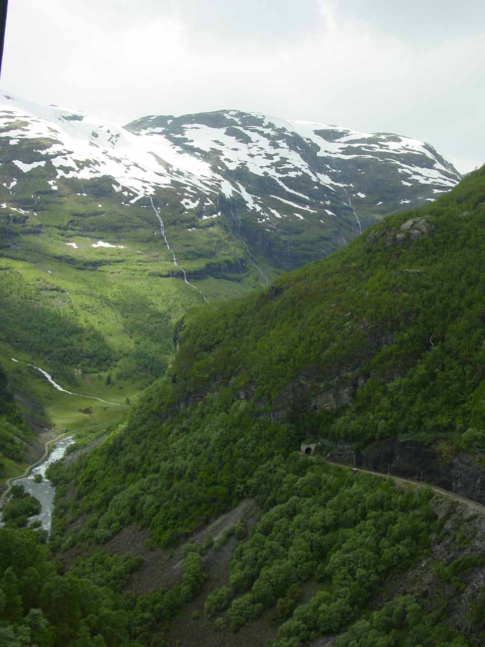 Looking downwards towards Flamsdalen and another tunnel as we were headed back to Flam