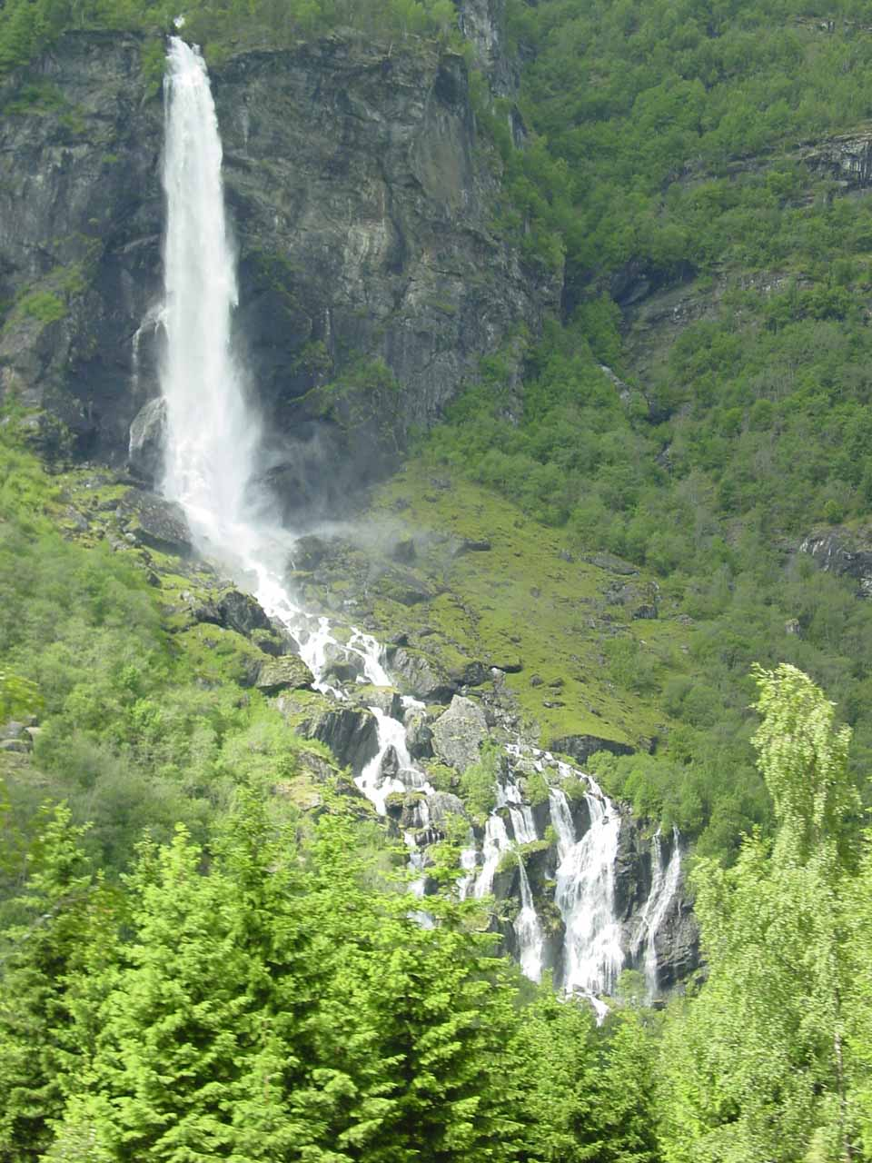Closer look at Rjoandefossen as we were headed back to Flam