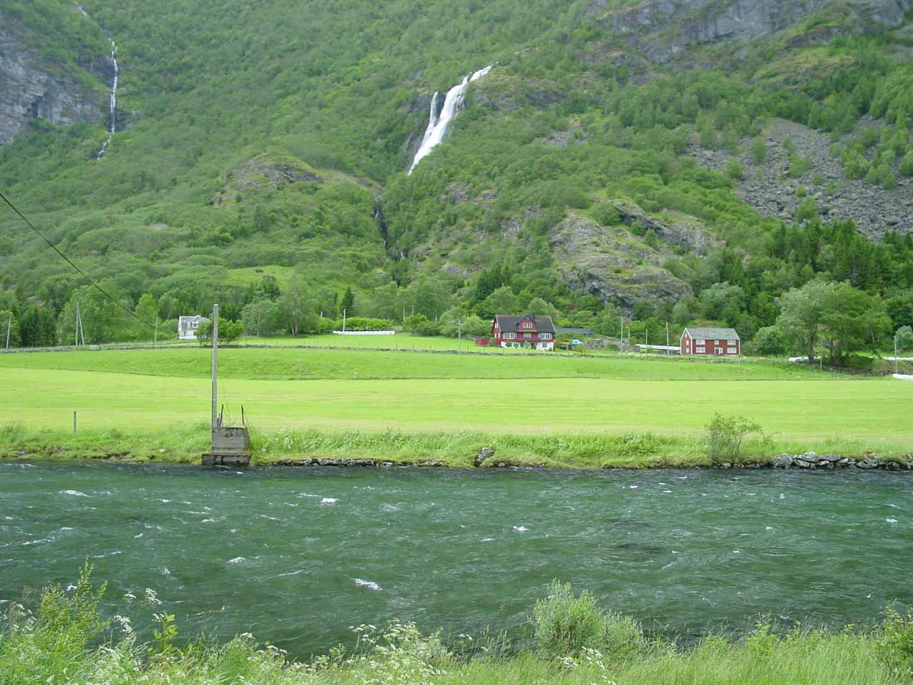Checking out Brekkefossen from a distance as we were self-driving into Flamsdalen