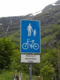 Flam_063_jx_06272005 - Pedestrian sign near Blomheller; we couldn't tell from this sign whether we could continue driving or not back in 2005, but now with translation tools and a better understanding of Norwegian in 2019, I see now that we weren't supposed to