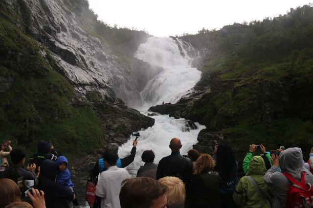 Flam_Railway_089_07222019 - Kjosfossen with lots of people crowding to get a closer look