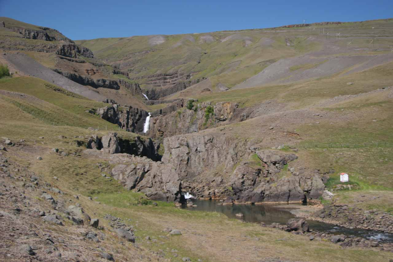 Looking at the context of the ravine and former site of Bessastaðir