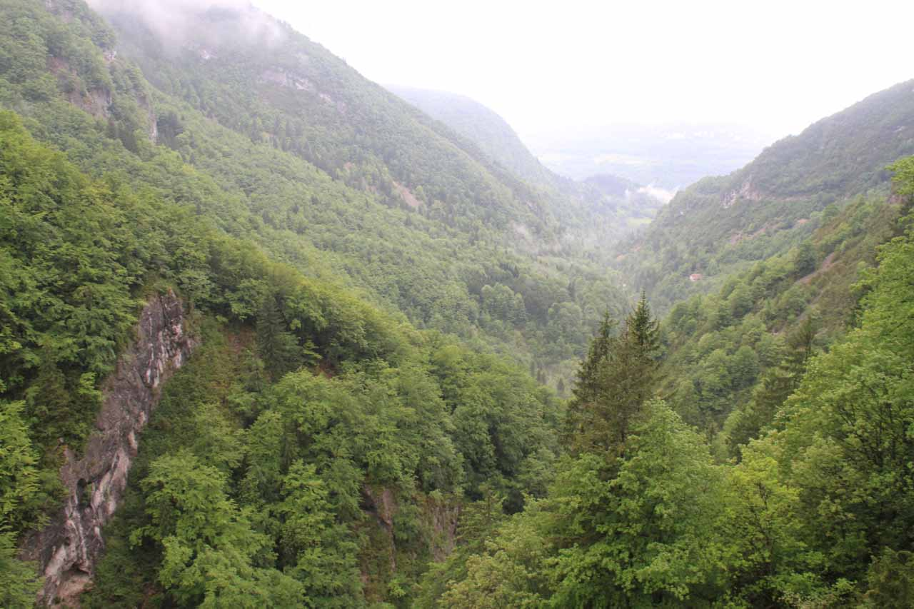 Looking back towards Saint-Claude from the Saut du Chien pullout
