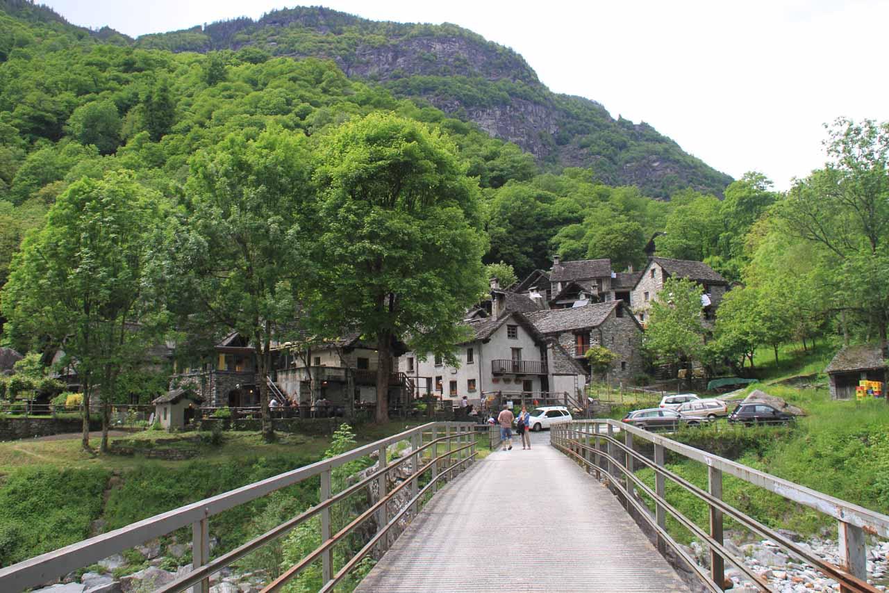 The bridge leading to the hamlet of Foroglio