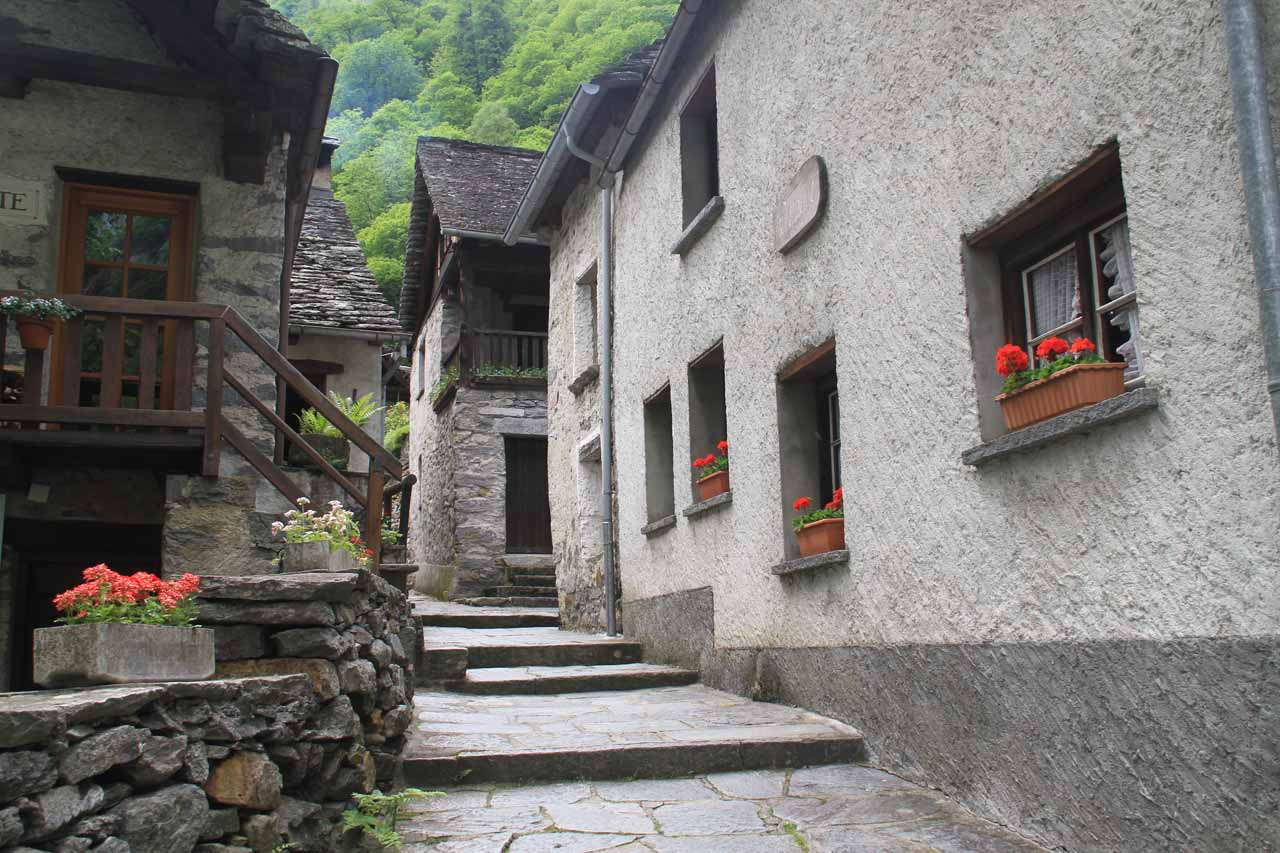 Walking through the charming walkways of Foroglio in pursuit of another trail to the waterfall
