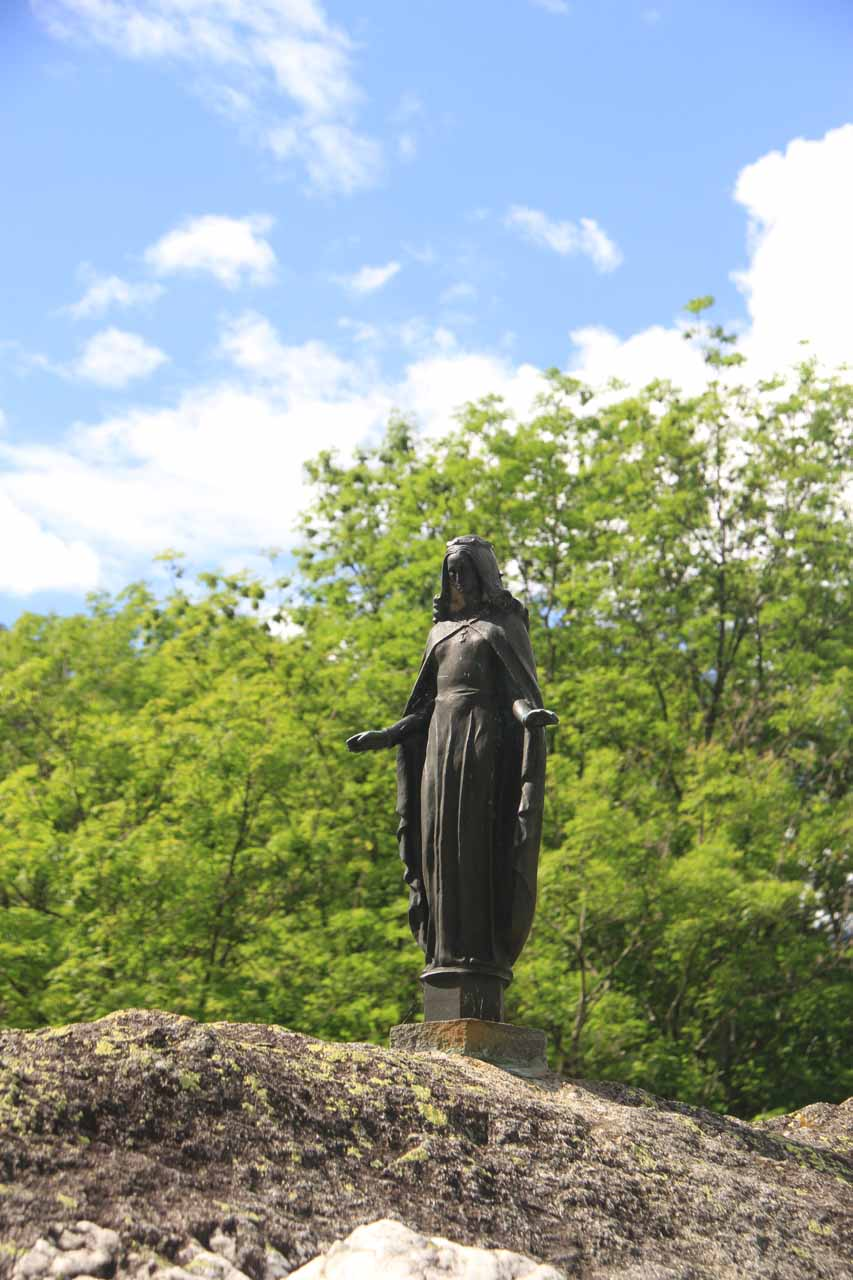 This was that religious figurine I noticed perched on a large boulder by the main road near Foroglio