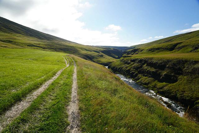 Forsaedalur_024_08162021 - The initial kilometer of the hike followed a tractor trail through the Forsædalur Farm before descending towards Stekkjarfoss