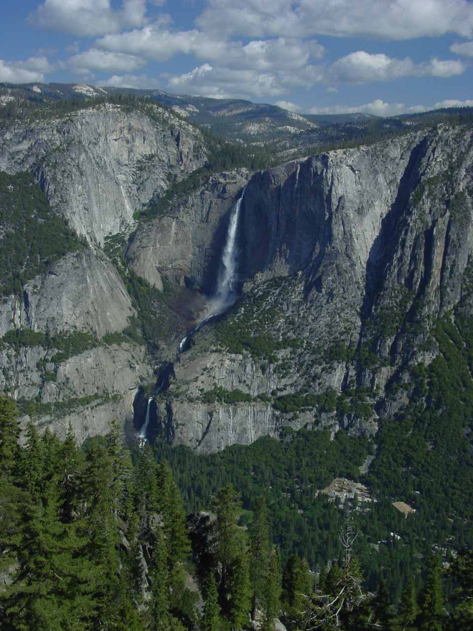 Yosemite Falls viewed from the Four-Mile Trail