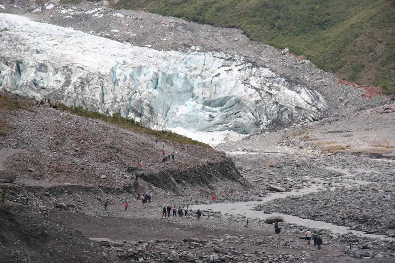 Even though it was relatively quieter than Franz Josef Glacier, there were still quite a few people visiting the Fox Glacier