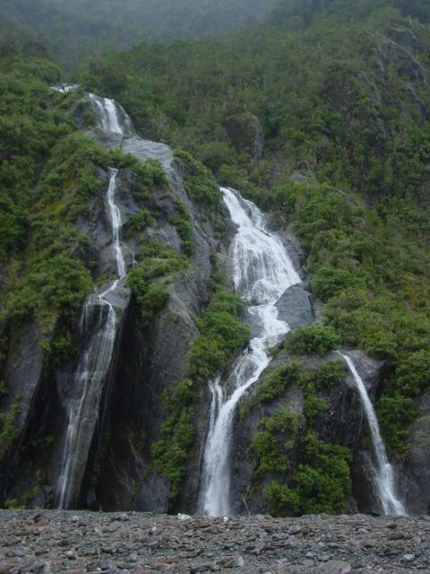 Franz_Josef_Glacier_Valley_034_11222004 - Trident Creek Falls