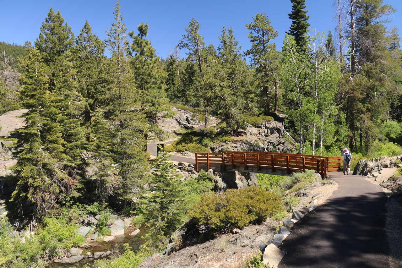Approaching the footbridge crossing Frazier Creek
