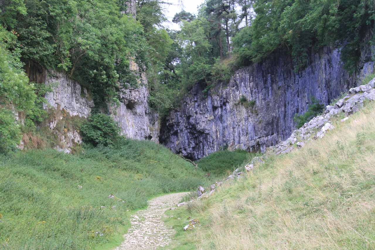 The trail then entered into a narrowing gorge