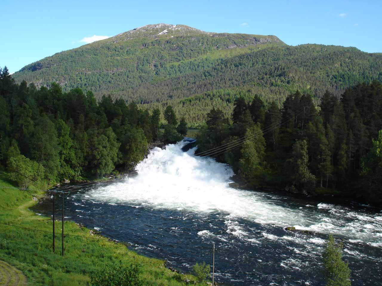 Some waterfall downstream of Eikjelandsfossen that I think is called Fossfossen