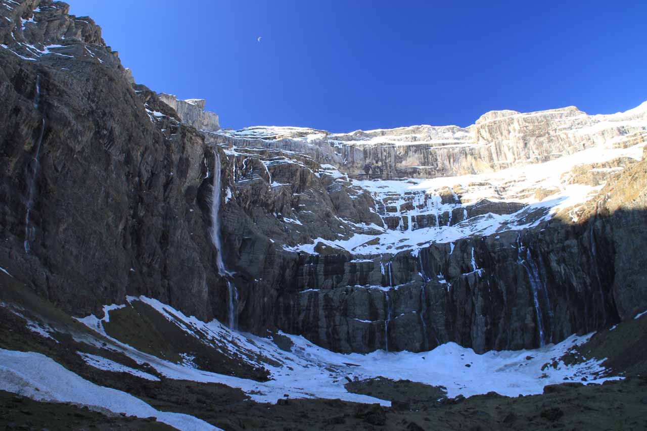 Trying to photograph all the waterfalls accompanying Cascade de Gavarnie at the cirque