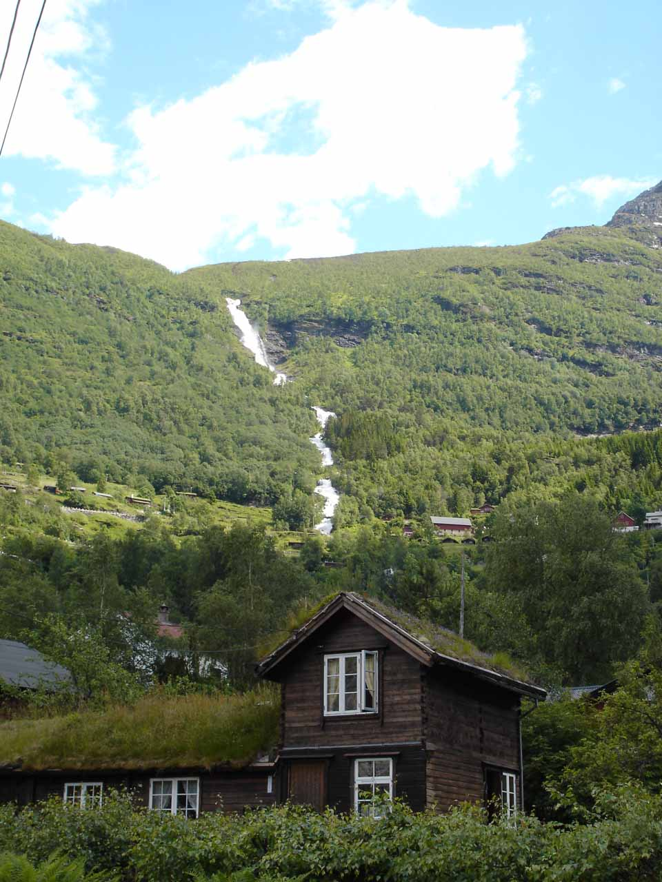 After our cruise ended, we noticed this view of Grinddalsfossen on our way up towards the turnoff at Hole