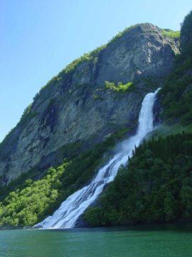 Geirangerfjorden_119_07012005