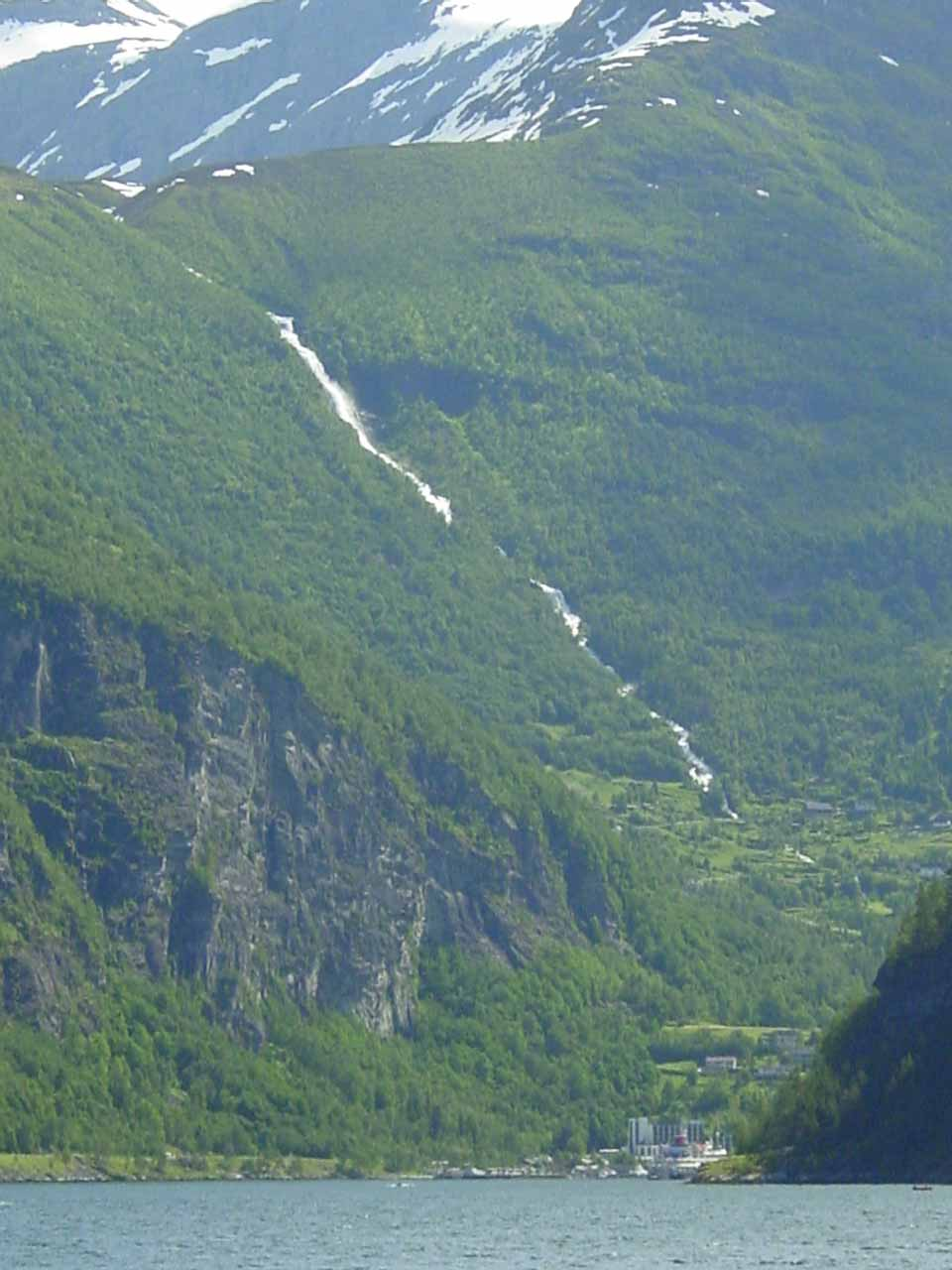 This tall cascade was Grinddalsfossen, which towered well above Geiranger