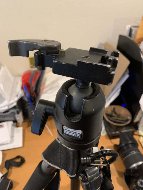 A closer look at the Manfrotto 486RC2 camera mount attached to the top of the Giottos GB1140 tripod