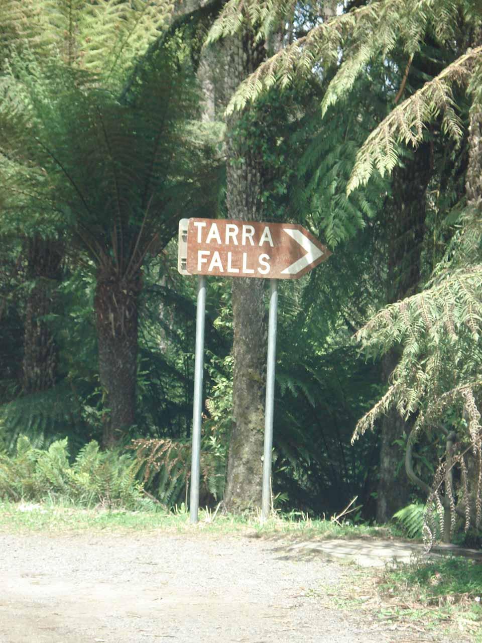 A signpost helping us find Tarra Falls