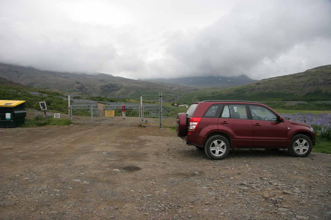 The car park and trailhead