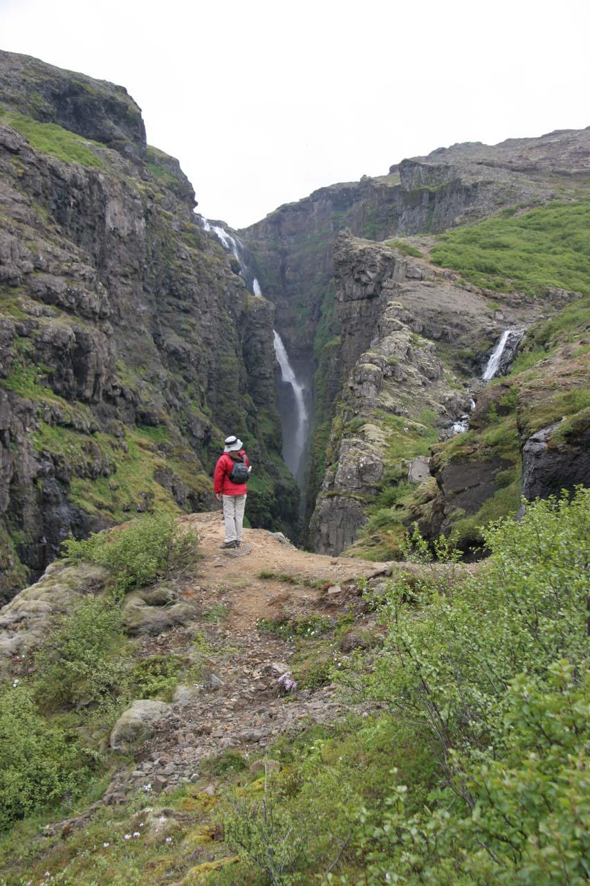 Standing on an outcrop before Glymur