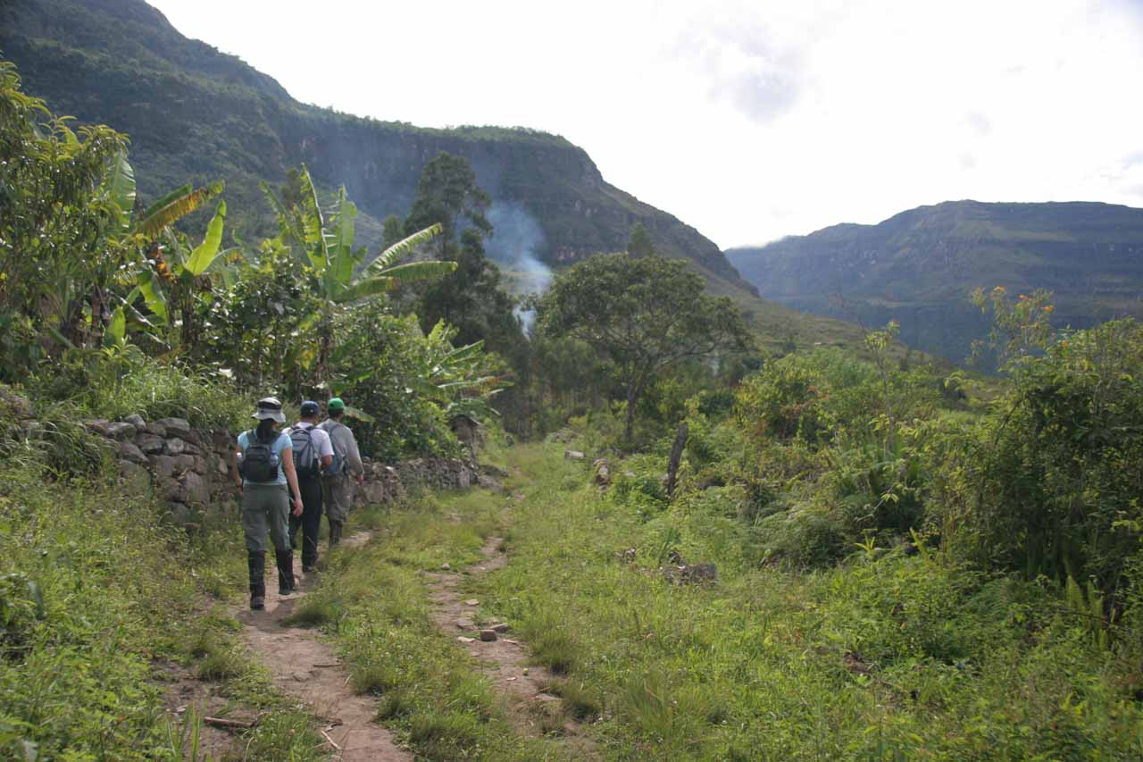 Hiking through the outskirts of San Pablo as we the scenery was now more bush than buildings (sparse as they were)