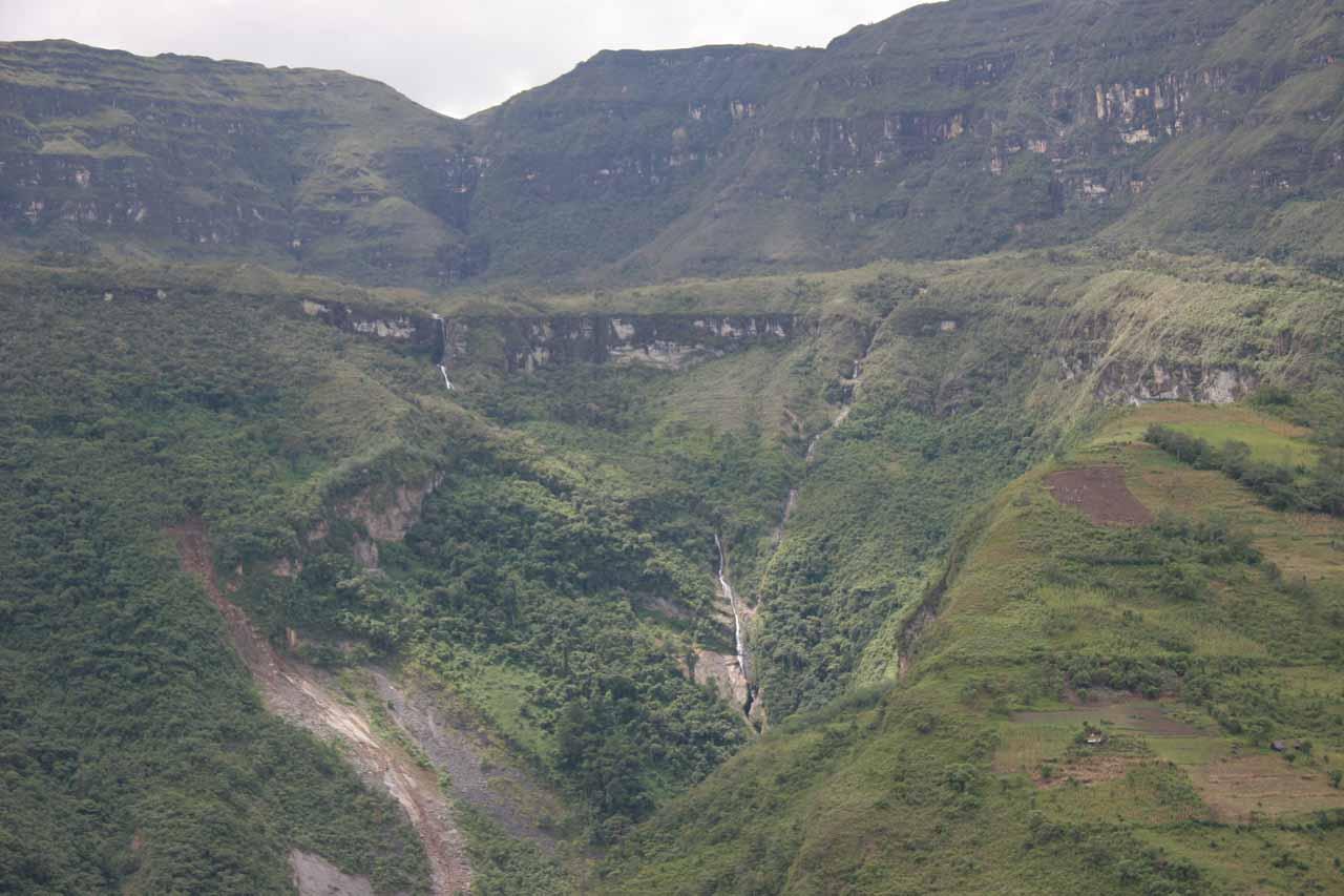 Looking across the valley towards Catarata de Golondrina