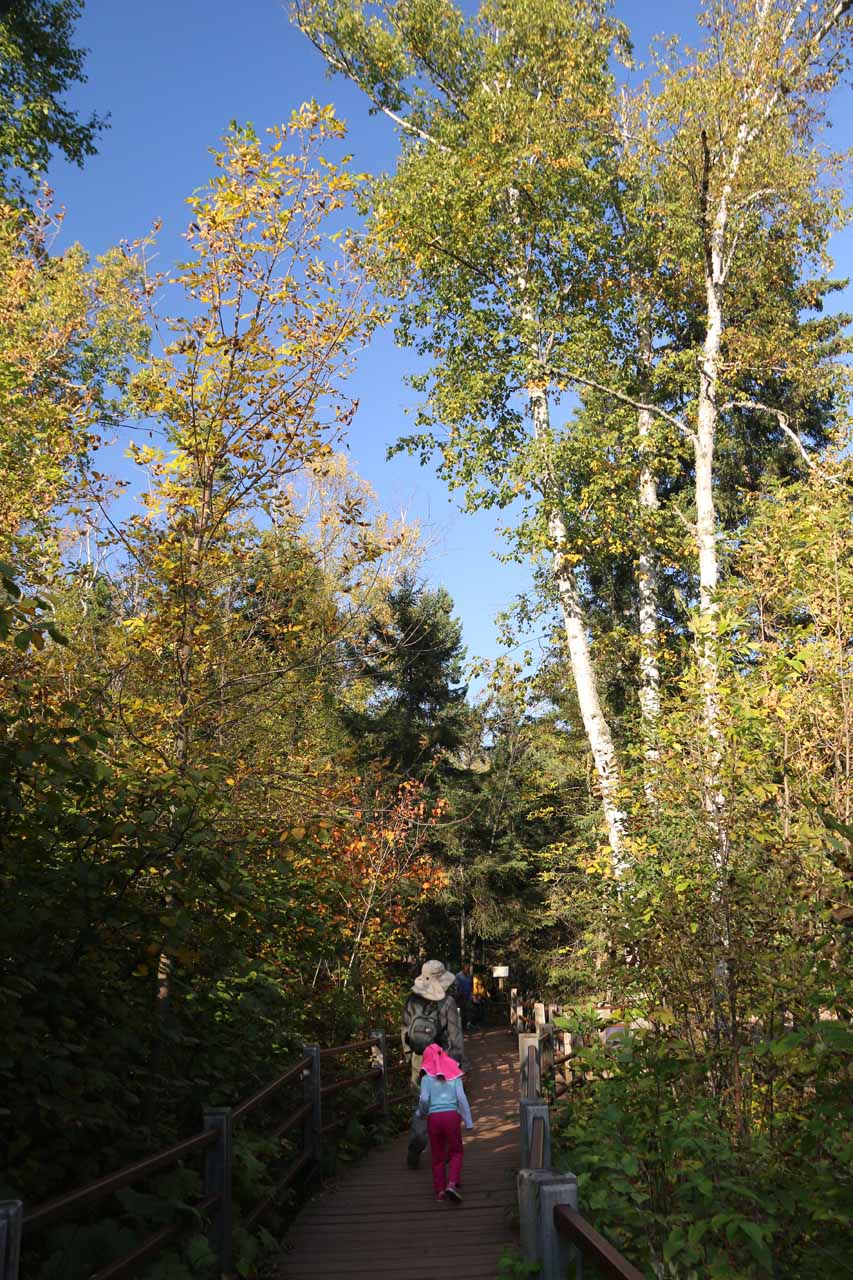 Julie and Tahia on the trail leading back upstream towards the brinks of both the Lower and Middle Gooseberry Falls