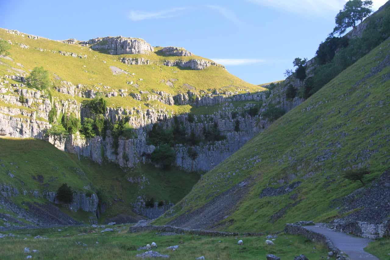 Going further into the gorge as the impressive limestone cliffs started closing in on me