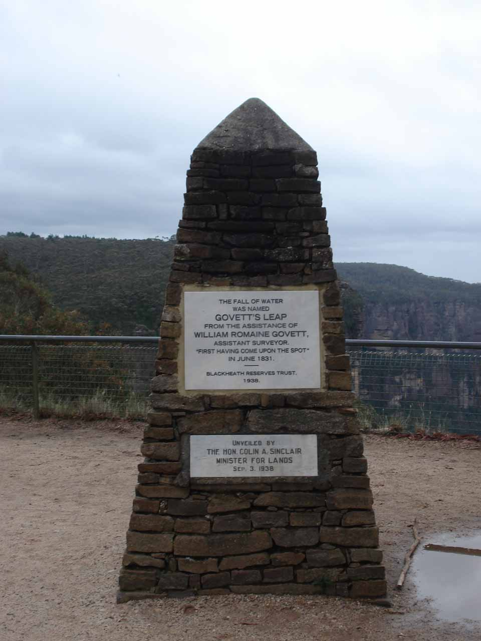 Small sign at Govett's Leap