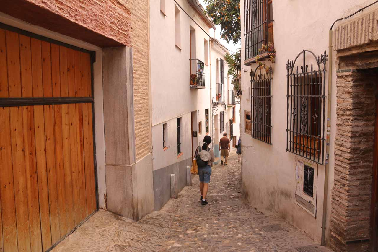 Continuing the descent from Mirador de San Nicolas to the Moorish quarter of Granada