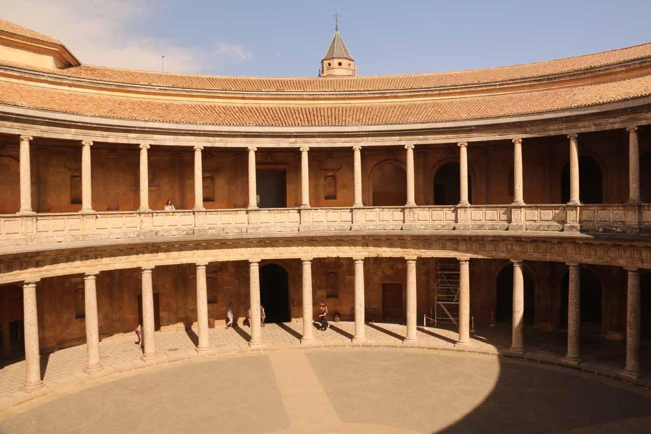 The circular Palacio de Carlos V reminding us somewhat of Ronda's bullring
