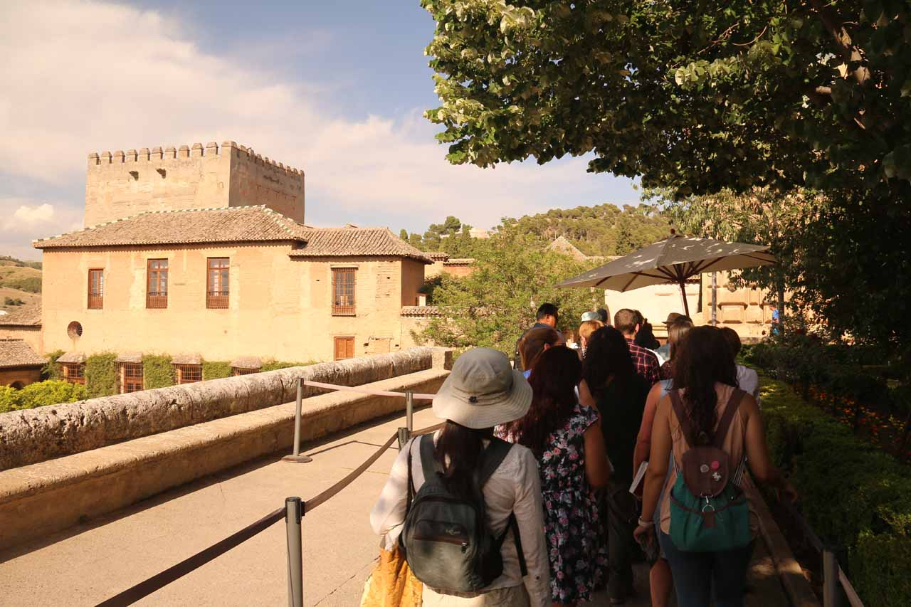 Waiting our time to go into the main part of Alhambra - Palacios Nazaries