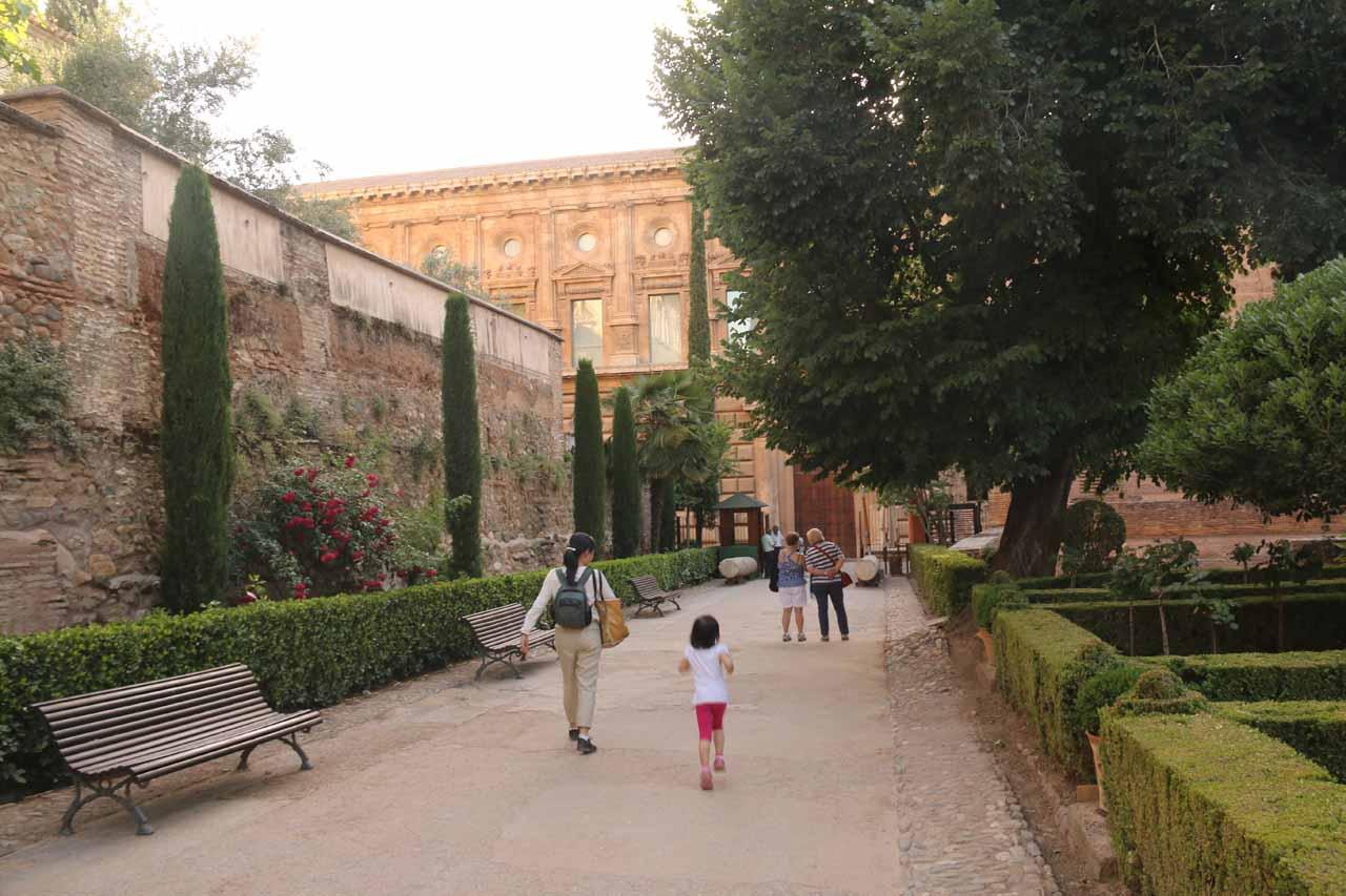 Leaving Palacio del Partal and headed towards the exit