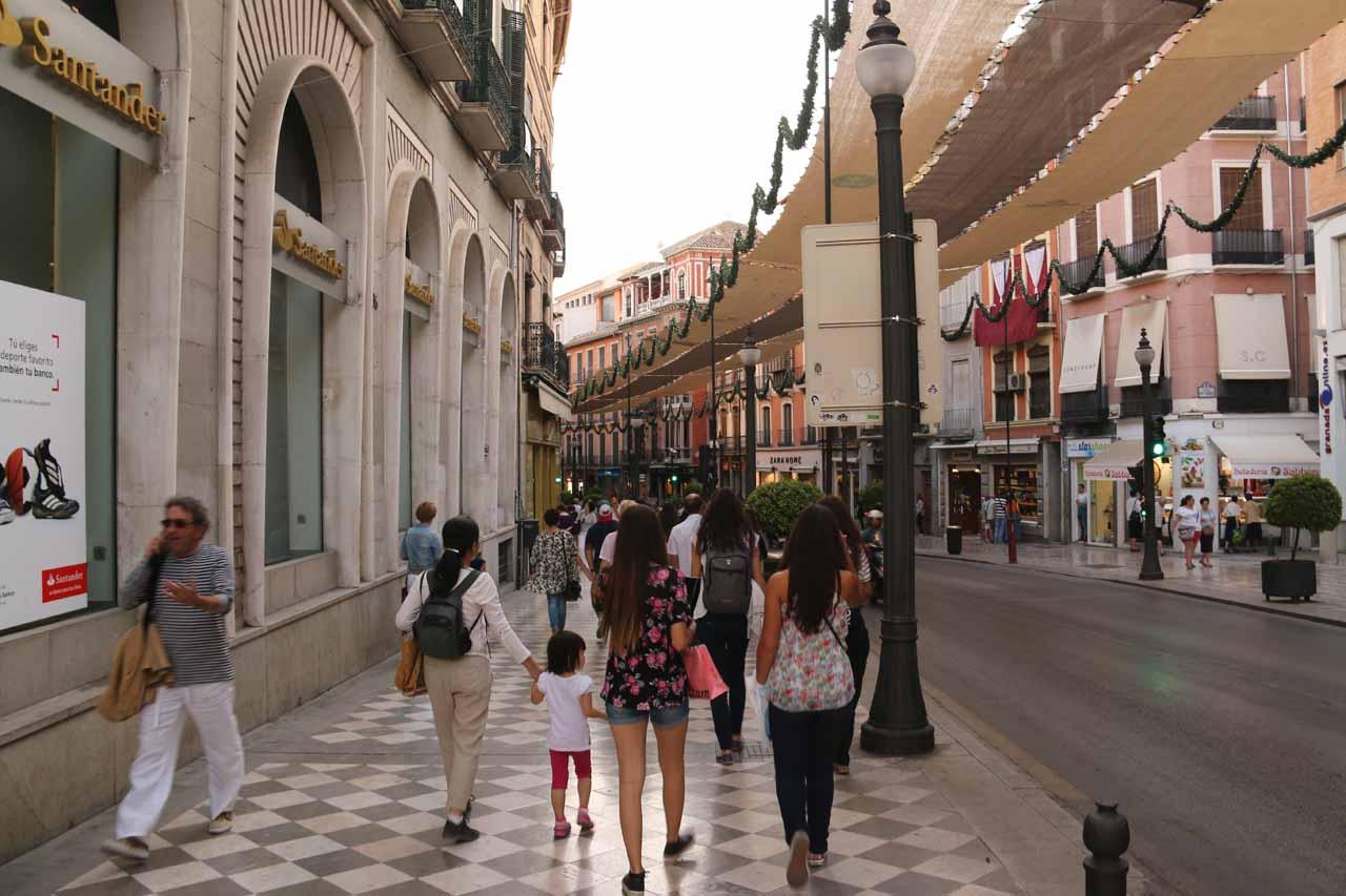 Walking along Calle Reyes Catolicos towards Plaza Bib Rambla