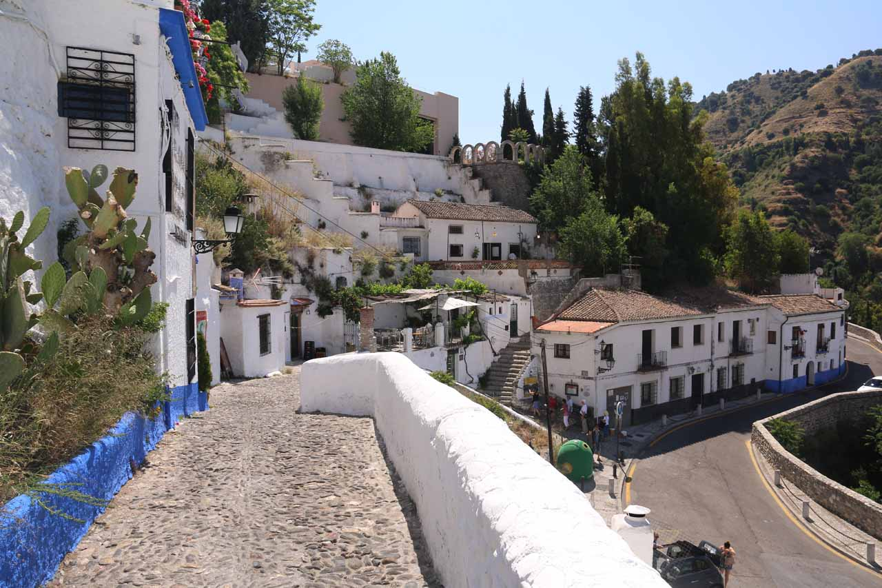 Heading back down to the spot at Sacromonte where we waited for either a taxi or a bus