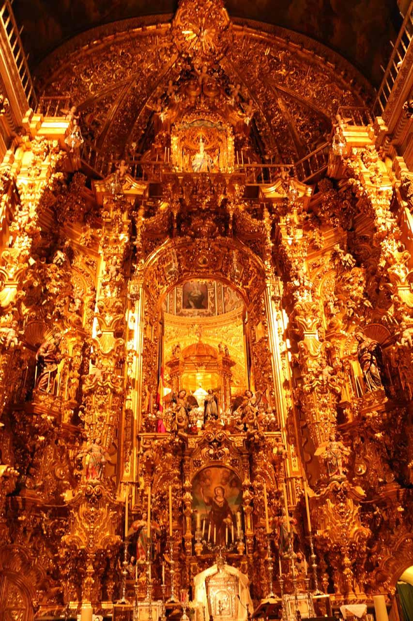 The blinged out chapel of the Basilica de San Juan de Dios