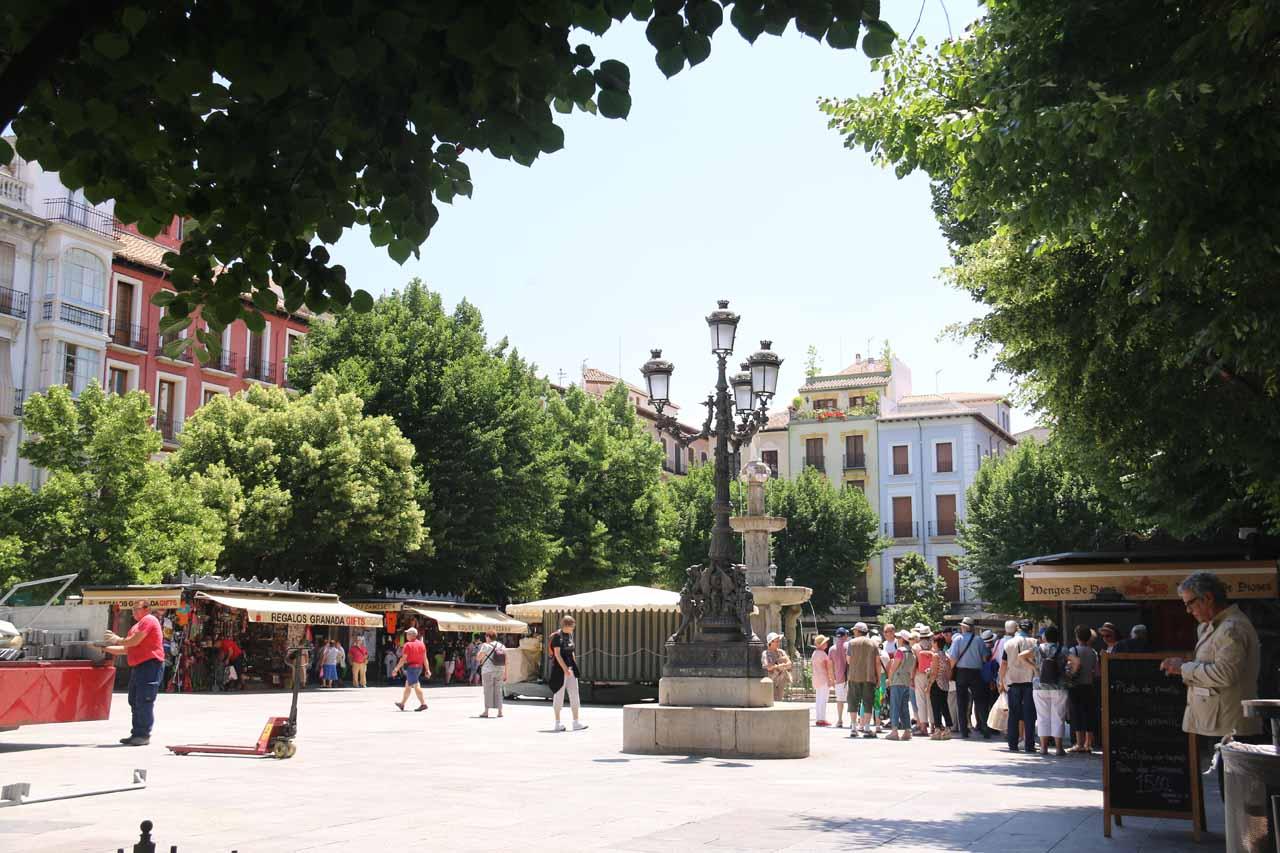 Back at the Plaza Bib Rambla in the city center of Granada