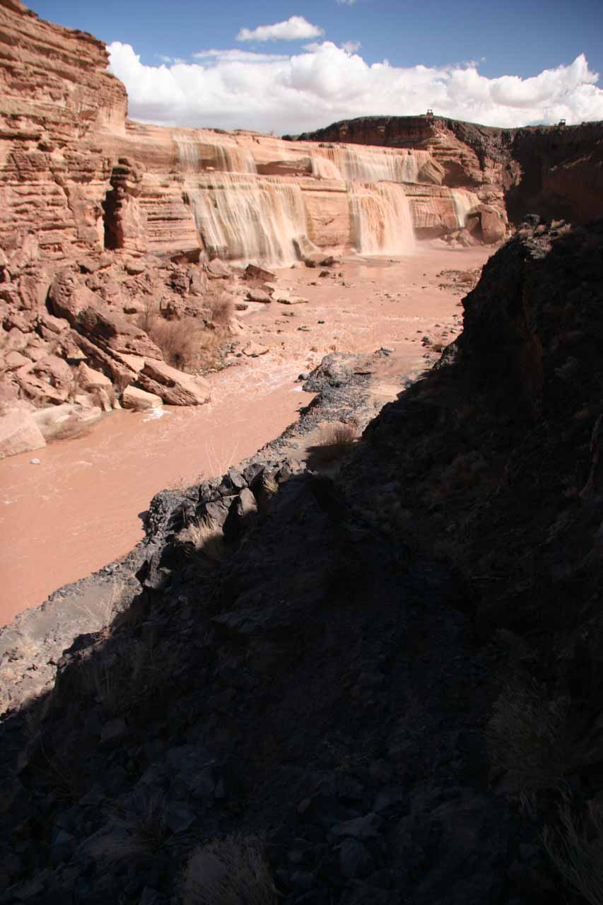 Now scrambling along some jagged cliffs towards the banks of the Little Colorado River