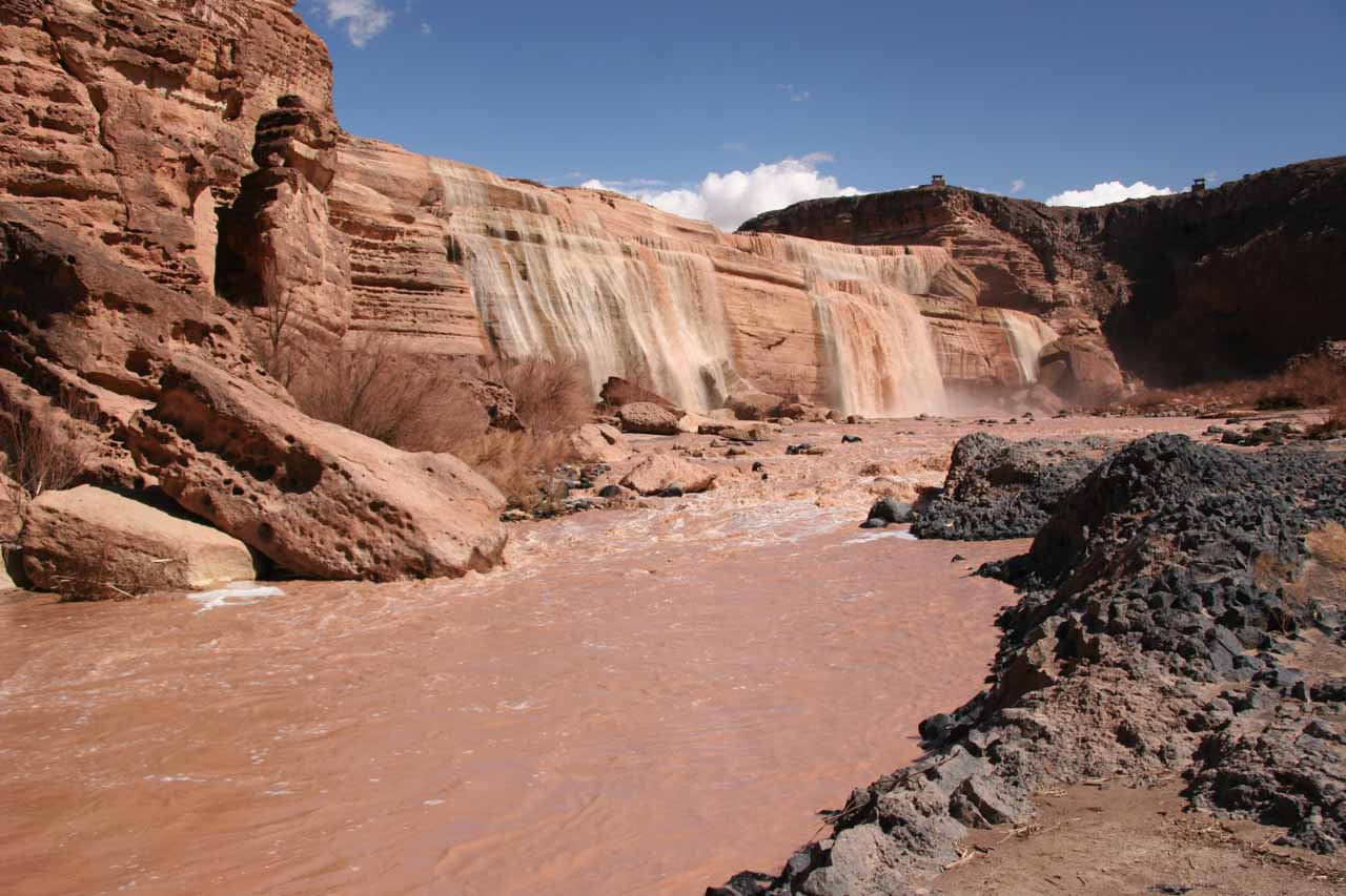 Walking along the banks of the Little Colorado River as we approached the base of Grand Falls