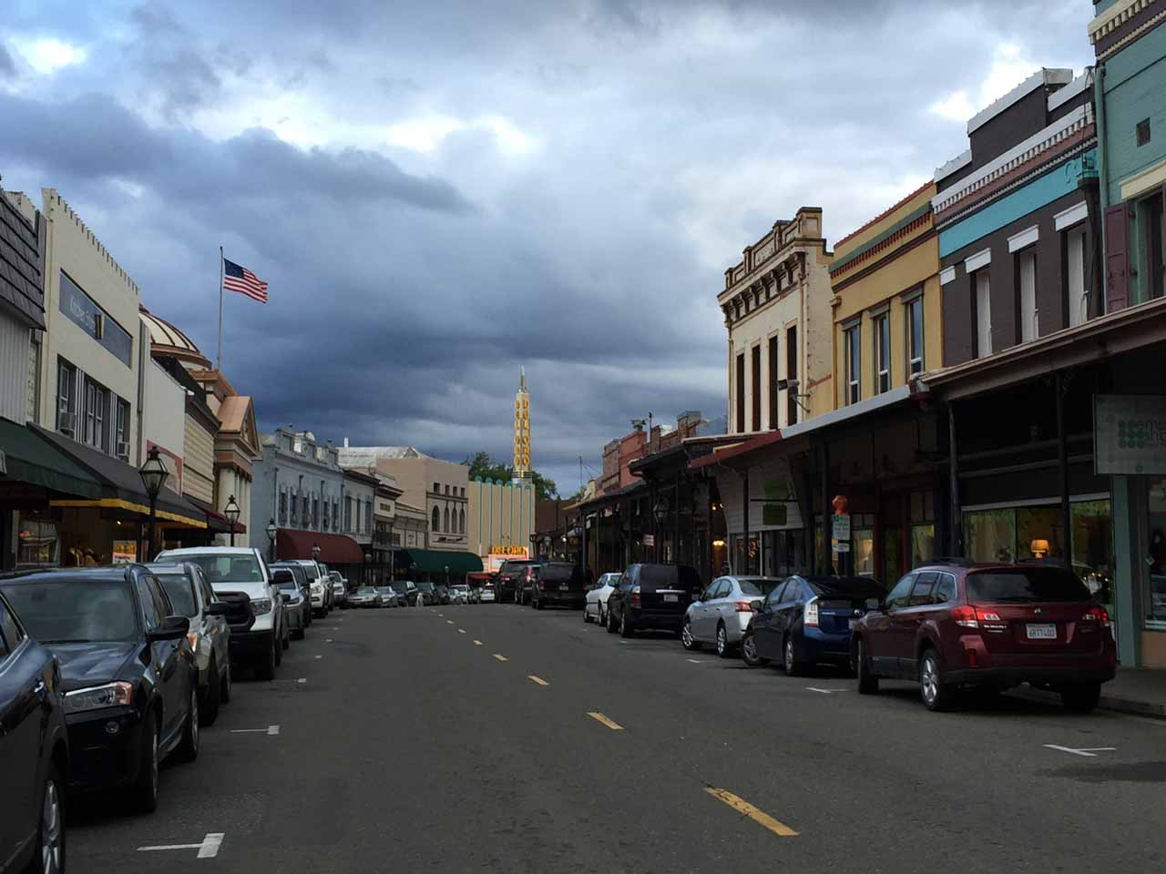 Nearby Rush Creek Falls was the historic town of Grass Valley, where the architecture here seemed to bring us back to the 19th century with a bit of a modern twist
