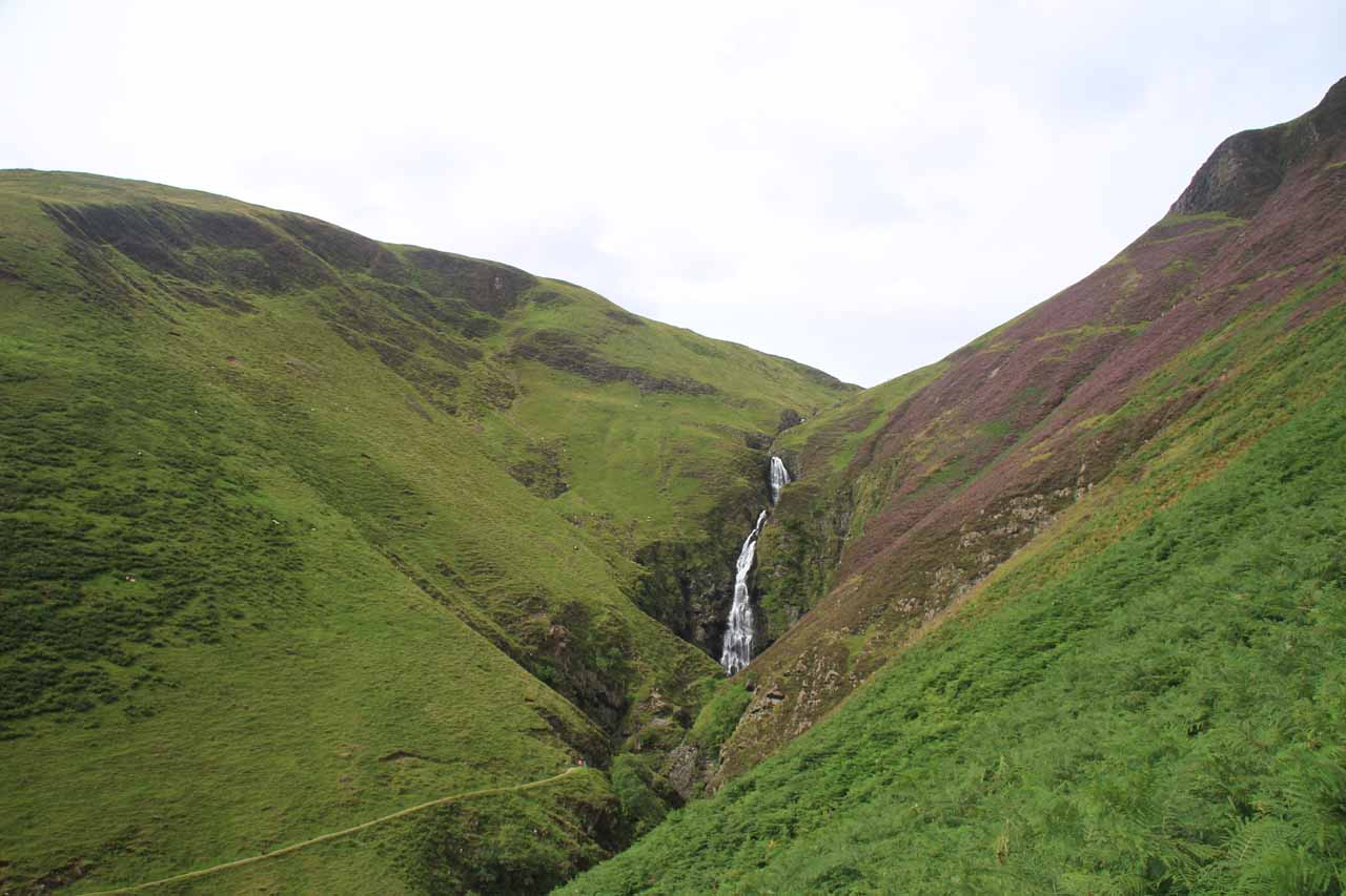Context of Gray Mare's Tail and the valley it's in from the Loch Skeen Trail