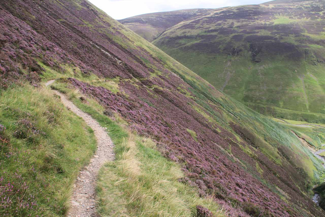 The narrow trail skirting the slopes and dropoffs