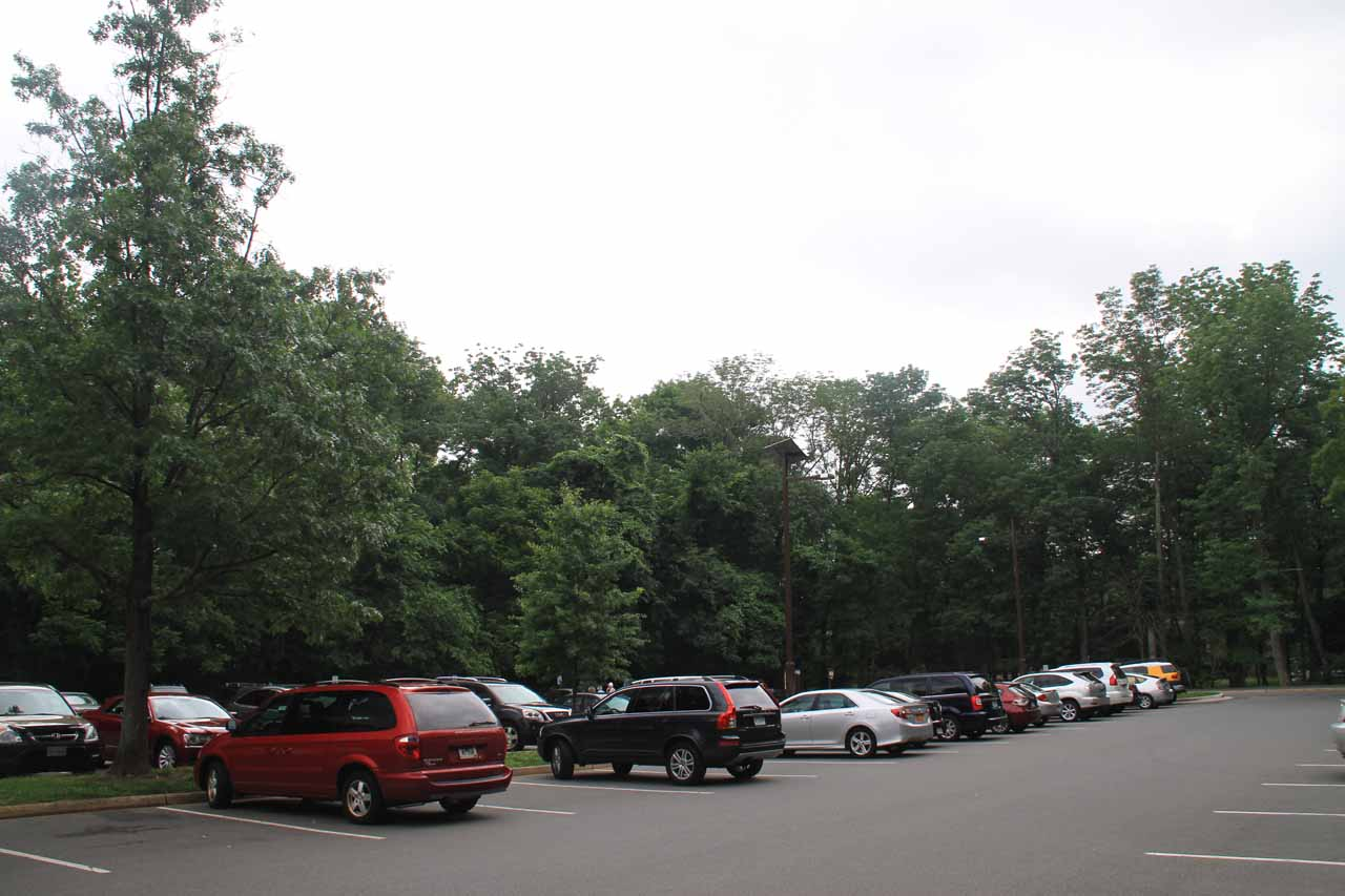 The busy car park at Great Falls Park
