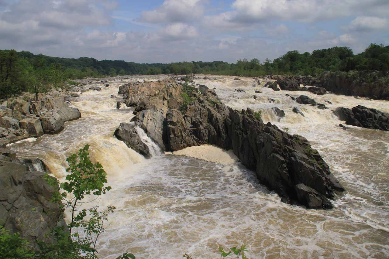 More direct view of Great Falls from a different part of Overlook 1